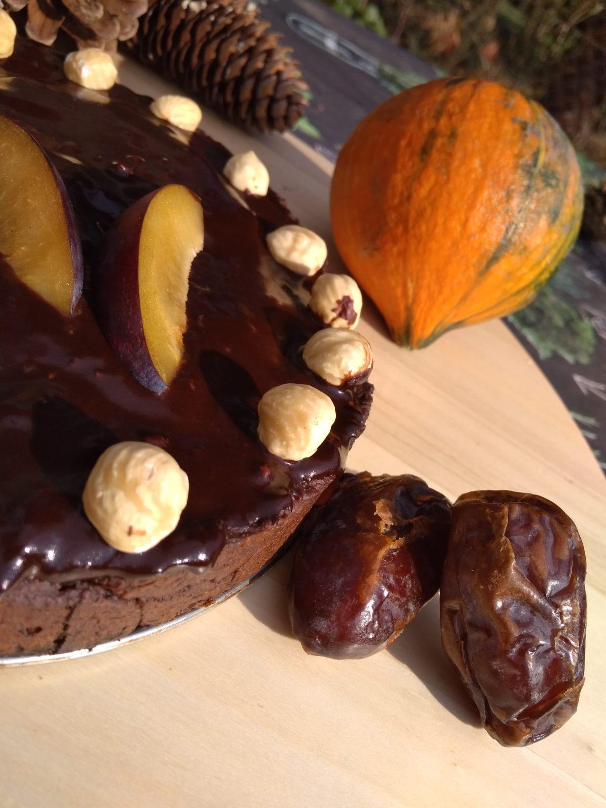 Bezglutenowe i wegańskie ciasto czekoladowe z burakami oraz świąteczny mus wegański