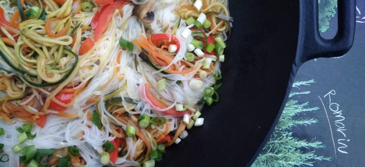 Warzywne stir-fry, bezglutenowe, wegańskie