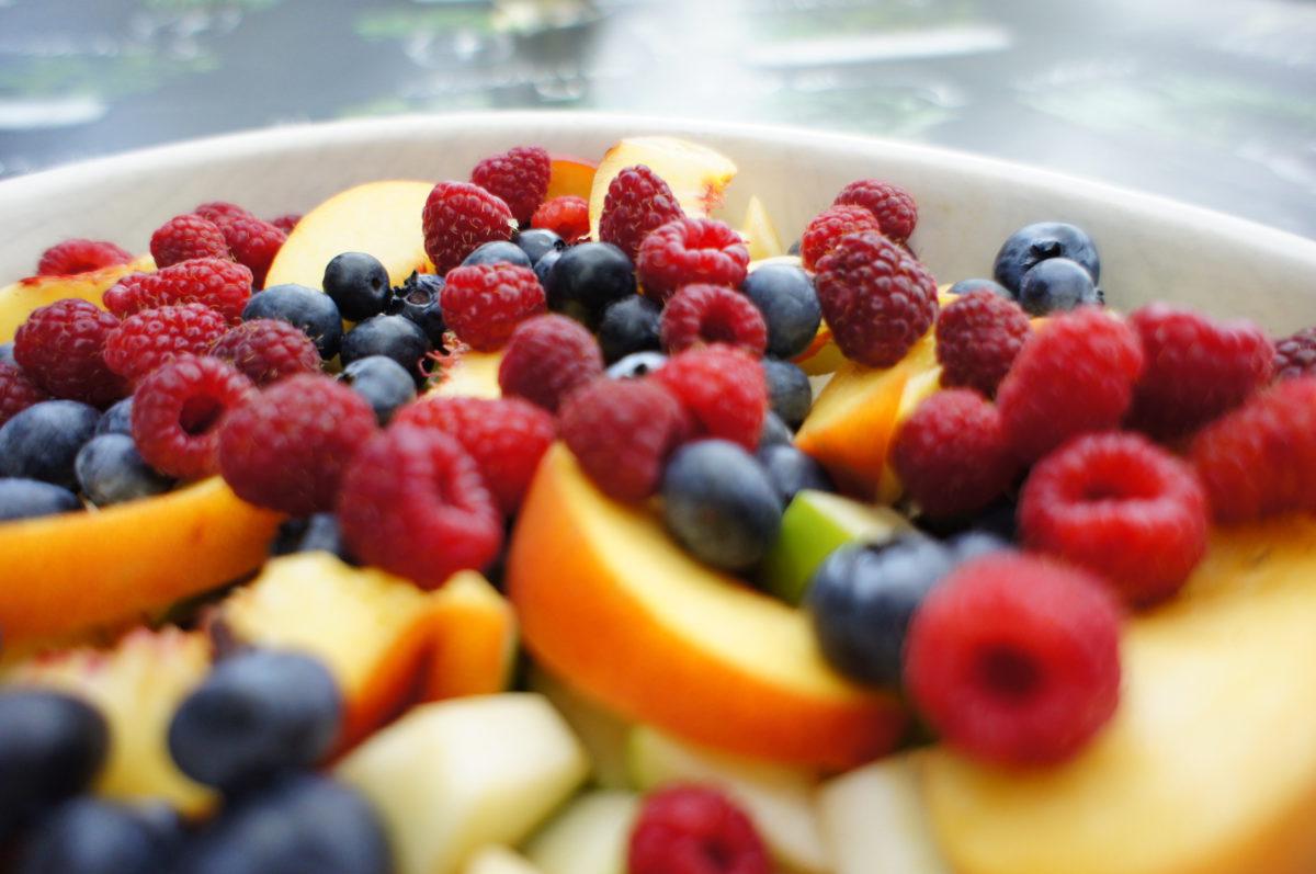 Owoce pod kruszonką (crumble bgl)