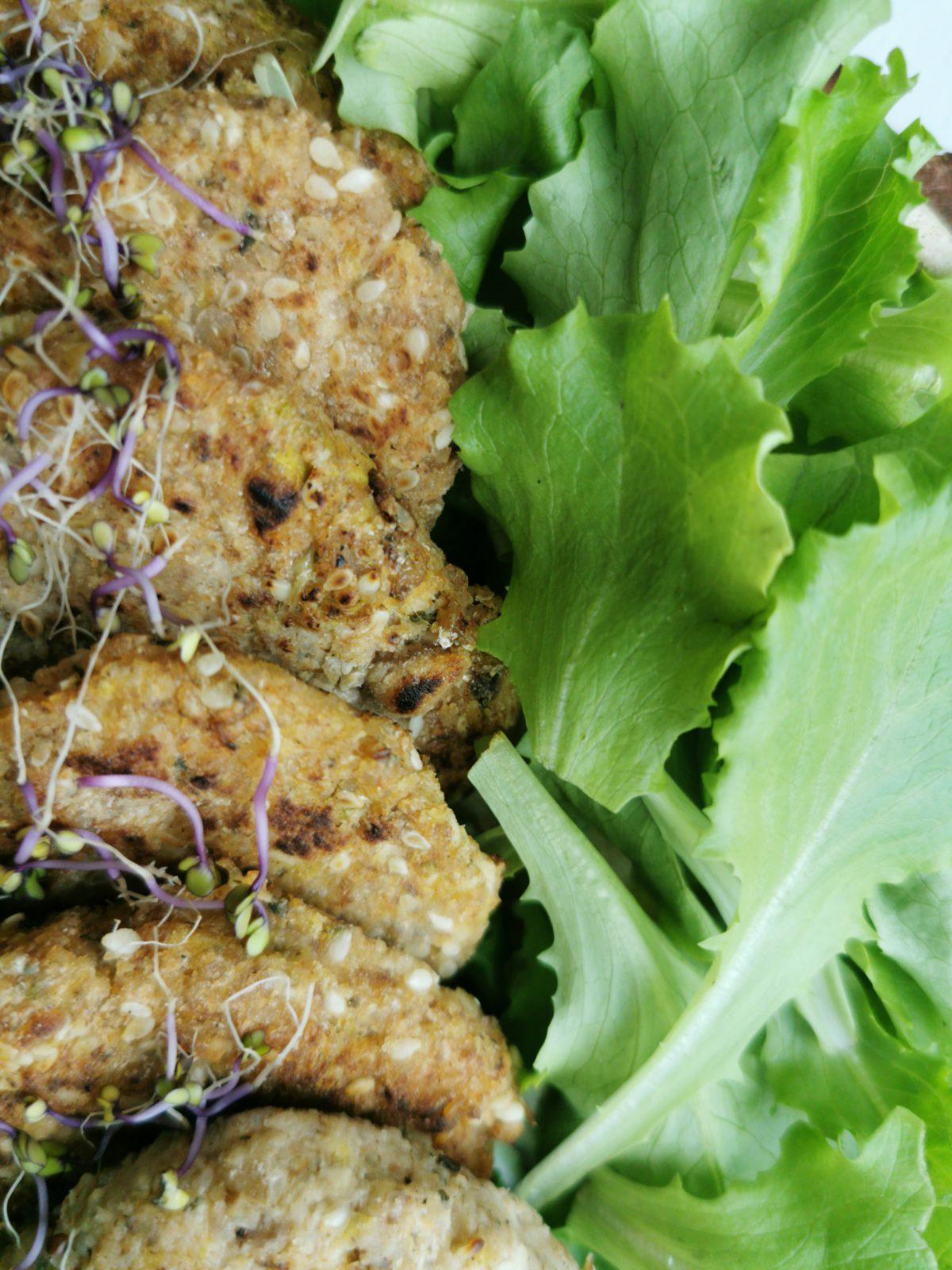 Kotlety z kaszy gryczanej i tofu